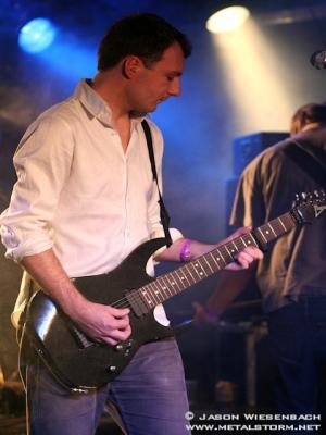 Misha, zanger, gitarist Akelei