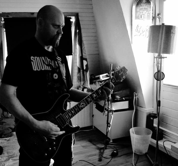 Adrian Jones gitaar
